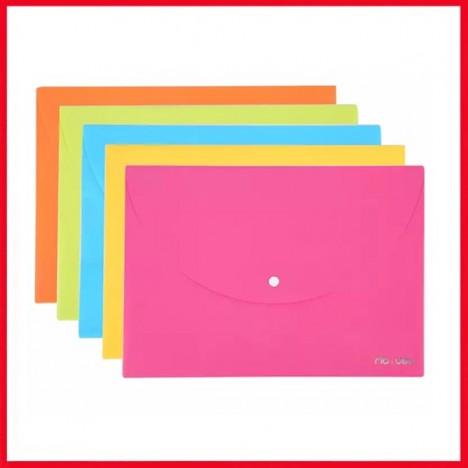 Pochette Plastique avec bouton DELI A4 5 couleurs ASSORTIS - E38131